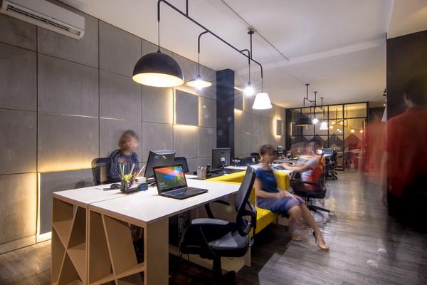M design headquarter jakarta for Modern industrial office interior design
